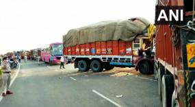 मप्र में सड़क हादसा: सागर में मजदूरों से भरा ट्रक पलटा, 6 की मौत, गुना में तीन ने गंवाई जान