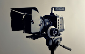 महाराष्ट्र सरकार फिल्मों की शूटिंग फिर से शुरू करने पर विचार कर रही