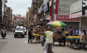 खुलने लगी हैं दिल्ली की कई मशहूर दुकानें