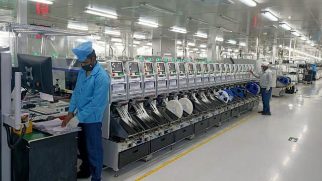 Oppo की नोएडा फैक्टरी में नौ कर्मचारी कोविड-19 से संक्रमित, काम रोका गया