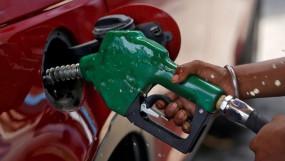 Fuel Price: पेट्रोल- डीजल की कीमत में नहीं मिली राहत, जानें आज के दाम