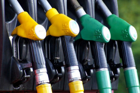 Fuel Price: कच्चे तेल की कमतों में आया उछाल, जानें पेट्रोल- डीजल पर क्या हुआ असर?