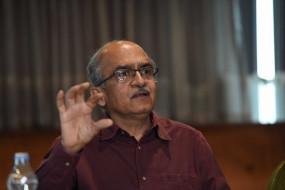 रामायण व महारत पर टिप्पणी के मामले में प्रशांत भूषण की गिरफ्तारी टली