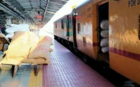 रेलवे ने पार्सल ट्रेन से कमाए एक करोड़