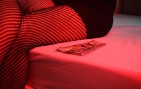 कोरोना संकट: इस देश में सेक्स वर्कर्स को मिली मंजूरी, लेकिन खेलों पर रहेगा प्रतिबंध