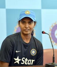 क्रिकेट: शिखा, दीप्ति के नाम अर्जुन अवार्ड के लिए भेज सकती है BCCI