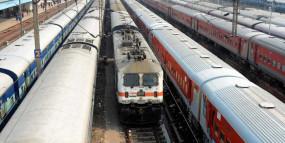 ट्रेनों की क्षमता के 90 फीसद यात्री होने पर ही चलेंगी श्रमिक ट्रेनें