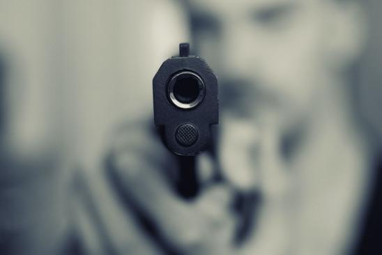 संभल में सपा नेता, बेटे की गोली मारकर हत्या