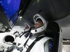 क्रू डेमो-2 मिशन लॉन्च: नासा ने पहली बार निजी कंपनी के अंतरिक्ष यान से ISS भेजे एस्ट्रोनॉट्स, दोनों पृथ्वी की निचली कक्षा में सुरक्षित पहुंचे