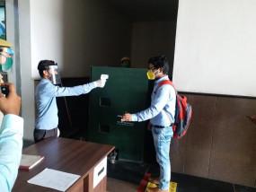 थर्मल स्कैनर, सैनिटाइजर्स के साथ दिल्ली मेट्रो, मॉल लोगों के लिए तैयार
