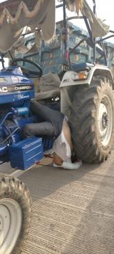 अज्ञात वाहन ने टै्रक्टर को मारी टक्कर,चालक की मौत