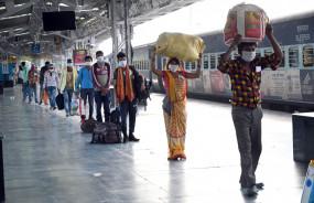 श्रमिक स्पेशल ट्रेन जबलपुर पहुंची - महाराष्ट्र में फँसे मध्यप्रदेश के 1350 मजदूर अपने घर रवाना
