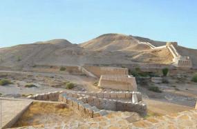 अजब-गजब: इस देश में स्थित है दुनिया का सबसे बड़ा किला, जिसके बारे में कोई कुछ नहीं जानता