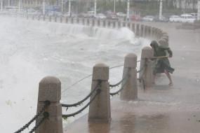 रूस में तूफान से 17वीं सदी का क्लॉक टॉवर क्षतिग्रस्त