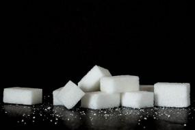 कोरोना से 20 लाख टन नहीं बिकी चीनी, ठंडी पड़ी आइस्क्रीम, सॉफ्ट ड्रिंक की मांग
