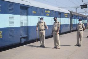ट्रेनों में निगरानी के लिए यूपी-बिहार से सतनाआई आरपीएफ की 20 सदस्यीय सशस्त्र टीम