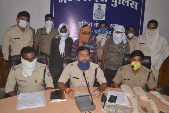 सोना बेचने के नाम पर की 3 लाख रू. की लूट - 3 आरोपी गिरफ्तार