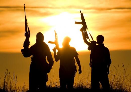 कश्मीर मुठभेड़ में 3 आतंकवादी ढेर