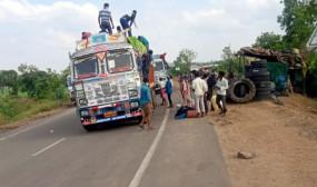 कम नही हो रही श्रमिको की परेशानी -15 दिन भटकने के बाद ट्रक की छत पर बैठ बोनकट्टा पहुंचे बिहार के 36 श्रमिक