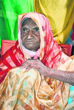 40 साल पहले बिछड़ी पंचूबाई मप्र के दमोह में मिलीं, मुस्लिम परिवार में मिला आसरा