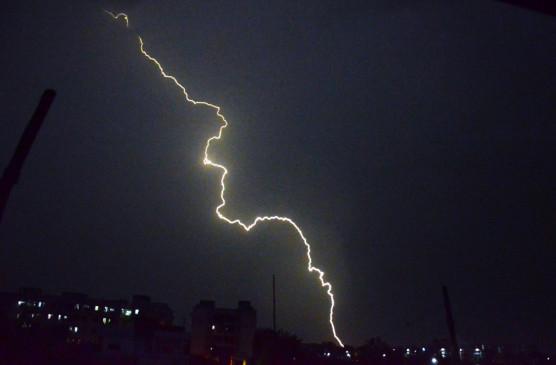 असम में आकाशीय बिजली गिरने से 6 लोगों की मौत