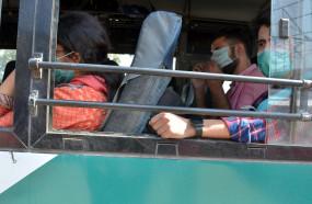 कोरोना के कारण विदेशों में फंसे 97393 पाक नागरिकों को वापस लाया गया