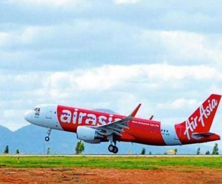 AirAsia India ने पायलटों के मई, जून के वेतन में की 40 फीसद कटौती