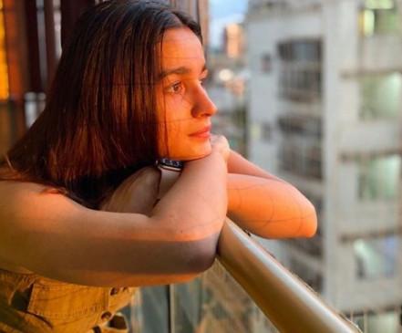 आलिया भट्ट ने पोस्ट की सन किस्ड तस्वीर