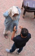 अमिताभ ने गुलाबो सिताबो की शूटिंग के दौरान प्रॉस्थेटिक के इस्तेमाल, पीठ दर्द के अनुभव साझा किए