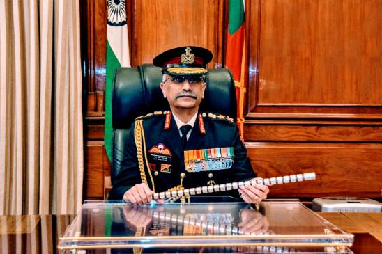 सेना प्रमुख जमीनी हालात का जायजा लेने लेह, कश्मीर का दौरा करेंगे