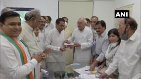 मप्र: सिंधिया परिवार के करीबी बालेंदु शुक्ल कांग्रेस में शामिल, कमलनाथ की मौजूदगी में ग्रहण की सदस्यता