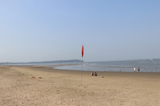गोवा के समुद्र तटों पर 48 घंटों के लिए तैराकी पर प्रतिबंध