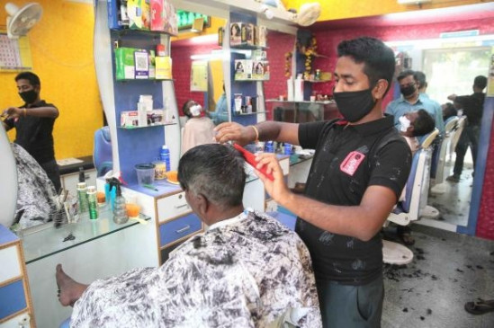 दिल्ली में खुल सकेंगी नाई की दुकानें
