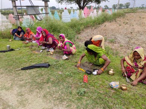 खौफ/अंधविश्वास: बिहार में कोरोना को बनाया 'देवी', महामारी दूर करने के लिए महिलाएं कर रहीं पूजा
