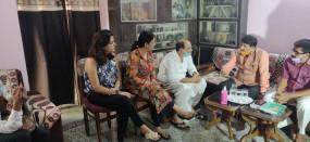 बिहार : सांसद मनोज तिवारी पहुंचे सुशांत के घर, मौत मामले की सीबीआई जांच की मांग
