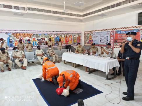 बिहार : एनडीआरएफ ने जीआरपी और आरपीएफ कर्मियों को दिया प्रशिक्षण