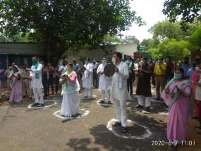 बिहार : शाह की रैली के विरोध में राबड़ी, तेजस्वी ने बजाई थाली