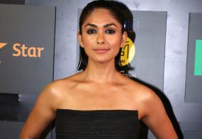 Bollywood: फिर से शूटिंग शुरू करने को लेकर असमंजस में हैं बॉलीवुड कलाकार