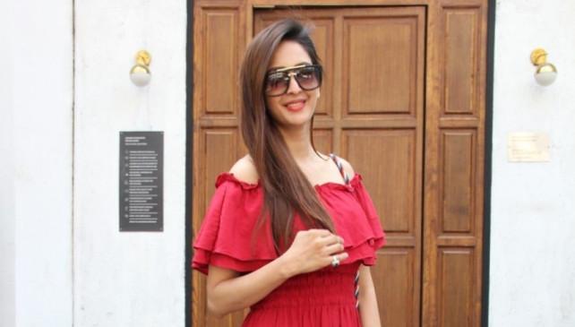 चाहत खन्ना ने चीनी सामानों का बहिष्कार करने का आग्रह किया