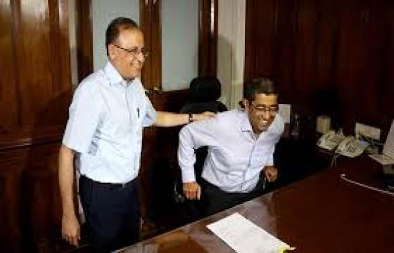 मुख्य सचिव संजय कुमार ने संभाला कार्यभार, कहा- अर्थव्यवस्था को देंगे गति