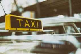 दिल्ली की टैक्सियों में नहीं बैठ सकेंगे चीनी नागरिक