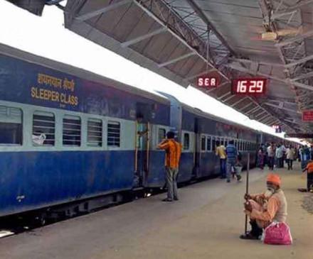 धीमी गति से काम करने पर चीन की कंपनी का ठेका रद्द करेगी रेलवे
