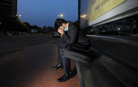 Corona Effect: भारत में लॉकडाउन के कारण 47 फीसदी युवाओं ने नौकरी गंवाई, कम सेलरी वालों की सबसे ज्यादा छंटनी