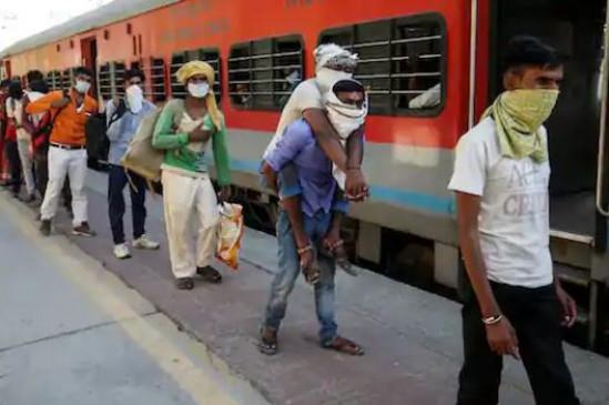 OMG: ट्रेन में नहीं मिली सीट तो कार खरीदकर अपने घर पहुंचा ये शख्स