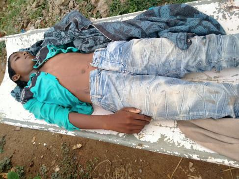 आकाशीय बिजली की चपेट मेें आने मासूम छात्र की मौत -एक बाल , बाल बचा