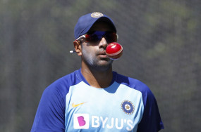 क्रिकेट: अश्विन ने कहा, धोनी हमेशा मुझे असाधारण रूप से कुशल मानते हैं