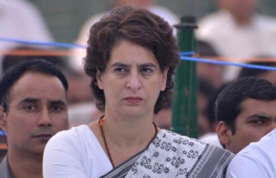 आगरा के डीएम बोले, प्रियंका का दावा सही नहीं