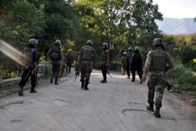 कश्मीर में मुठभेड़, 3 आतंकवादी ढेर