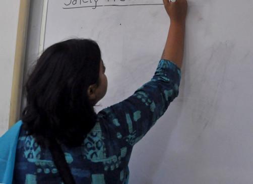 अनामिका से प्रिया तक, कई नौकरियों के साथ कई पहचान