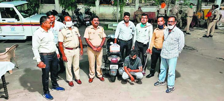 डिक्की में छिपाकर ले जा रहा था गांजा, भनक लगते ही पुलिस ने पकड़ा-जानिए नागपुर की और भी अहम वारदातें